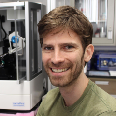 Research Scientist Zachary Geballe